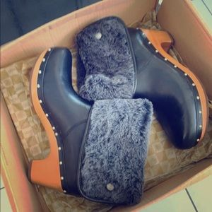 UGG Lynnea II black size10